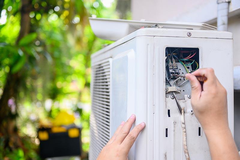 Repair And Fix Air Conditioner